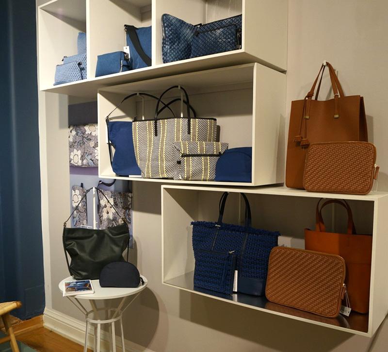 Blåa väskor från Ceannis