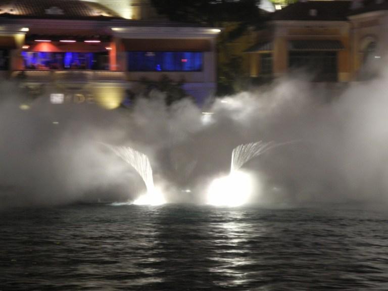 Bellagio-fountains2
