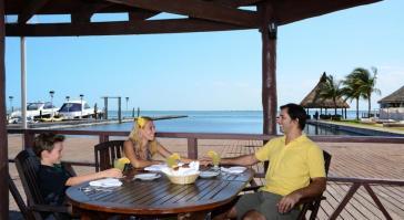 convivencia en Hotel Sunset Marina & Yacht Club - Todo Incluido Cancún