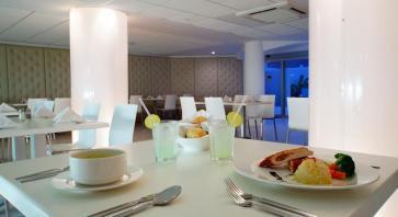 restaurant en Hotel Ramada Cancun