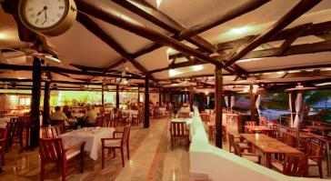 restaurant en Hotel Sunset Marina & Yacht Club - Todo Incluido Cancún