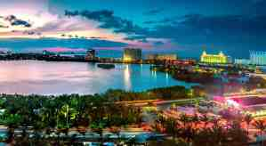 ciudad de Cancún atardecer