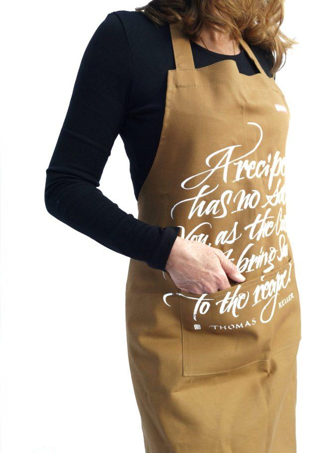 Grembiule da cucina – calligrafia di Luca Barcellona