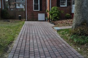 4 Easy Tips for Maintaining Your Hardscape this Fall