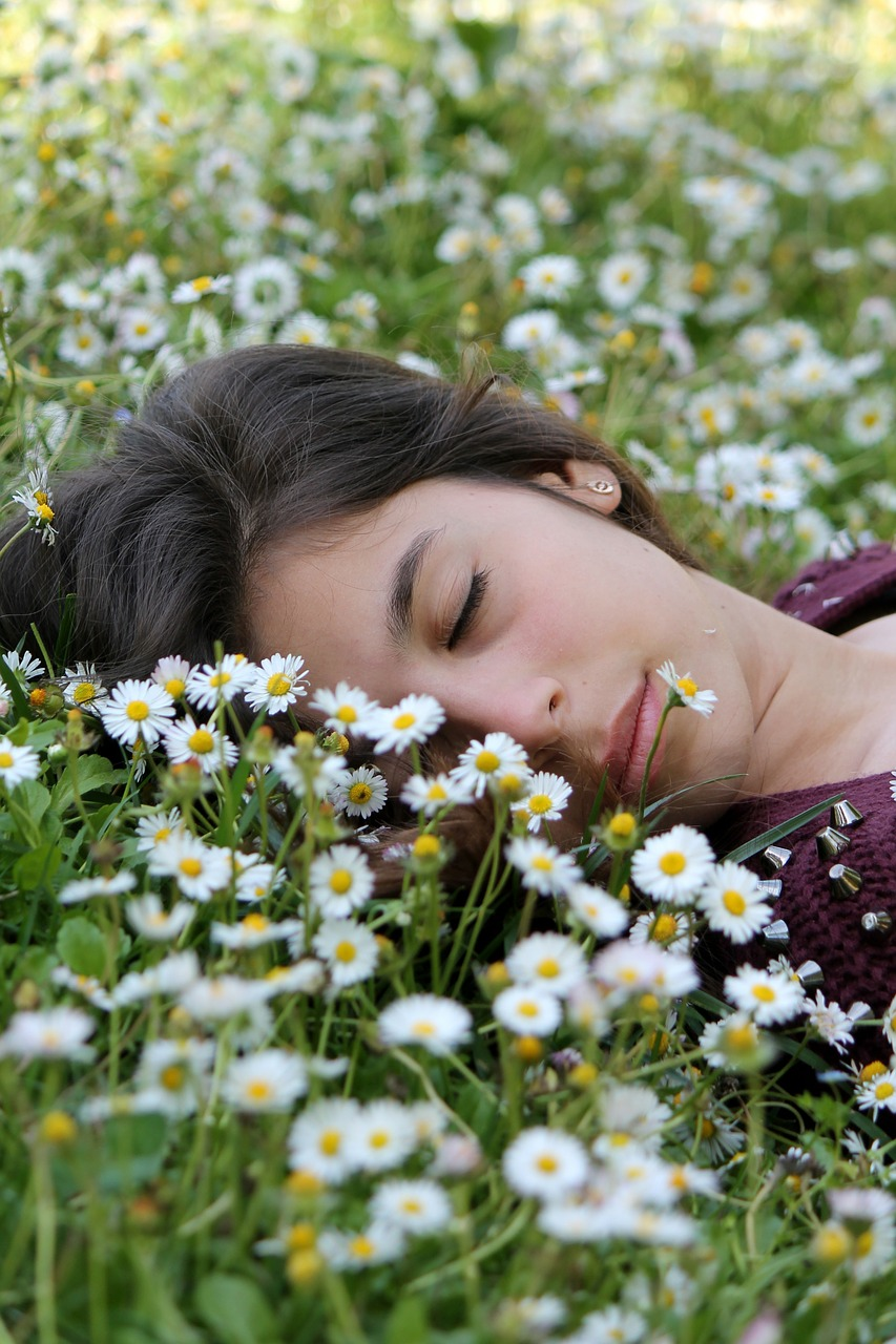 How To Fall Back Asleep After Waking Up In The Middle Of The Night Sleeping