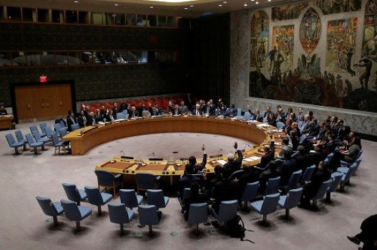 The United Nations Security Council votes on a resolution aimed at ensuring that U.N. officials can monitor evacuations from besieged parts of the Syrian city of Aleppo, at the United Nations in Manhattan, New York City, U.S., December 19, 2016. REUTERS/Andrew Kelly - RTX2VO73