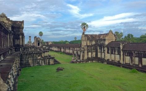 angkor courtyard