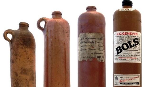 bols-genever-gin-antique-bottle