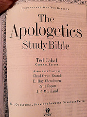 apologetics bible