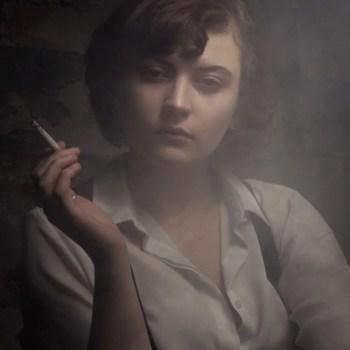 Portrait,Frau,klassisch,Nostalgie,Zigarette,Düsseldorf,Fotograf,Michael Wipperfürth