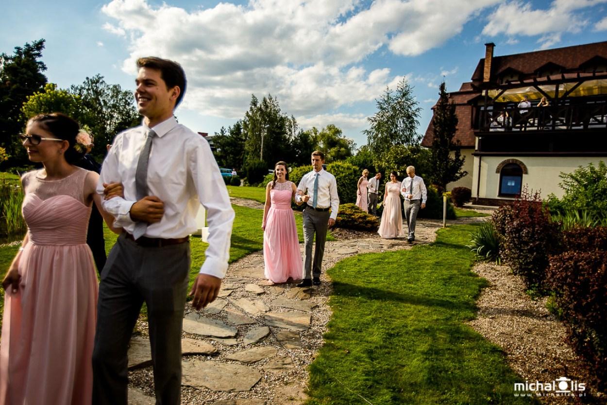 ślub plenerowy, ślub w plenerze, nieborów, łódź, arkadia, plener, polsko-amerykański, love, napis love, ogród, w ogrodzie, słonecznie
