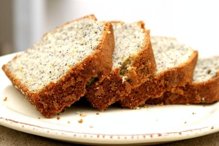 יוצא מהאזניים / עוגה ועוגיות פרג-לימון