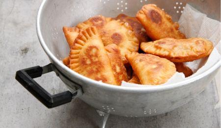 פורים עיראקי כהלכתו/ סמבוסק חומוס/ סמבוסק גבינה/ עוגיות בעבע בתמר