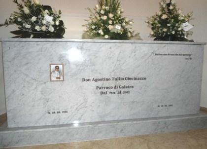 Tomba di Don Agostino Giovinazzo