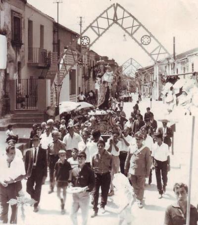 La Madonna del Carmine in via Garibaldi negli anni Sessanta