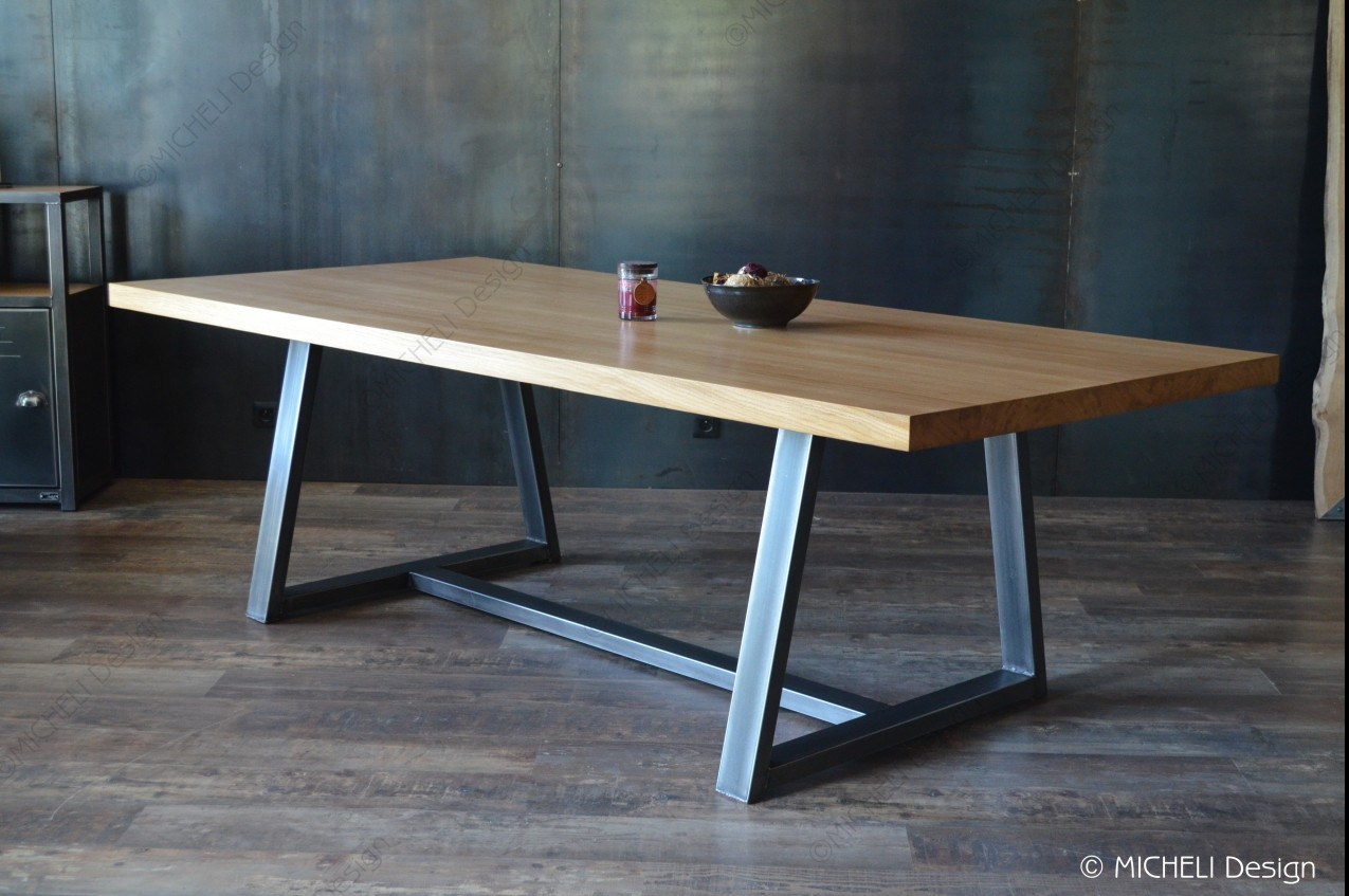 grande table en bois restaurant images
