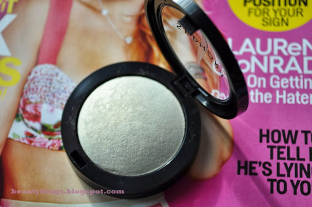 Let it Glow: SEPHORA Collection Microsmooth Baked Luminizer in Stardust