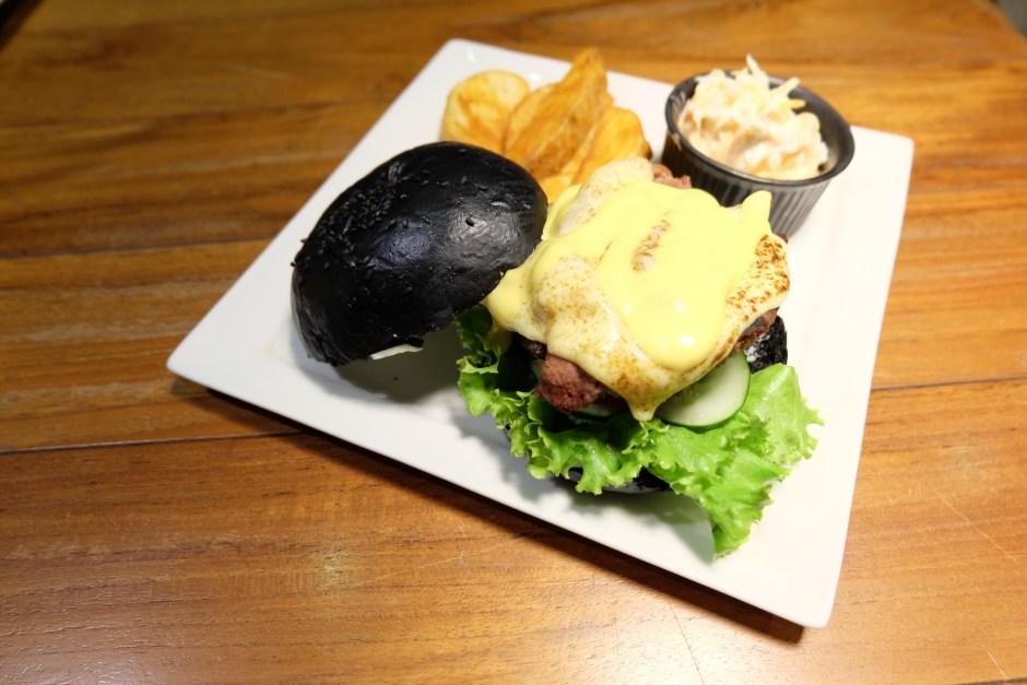 Blacklisted Charcoal Burger Jakarta