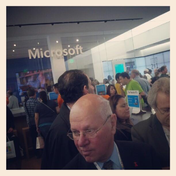 Full house ! #Microsoft #waltwhitmanmall  #whitmanswag