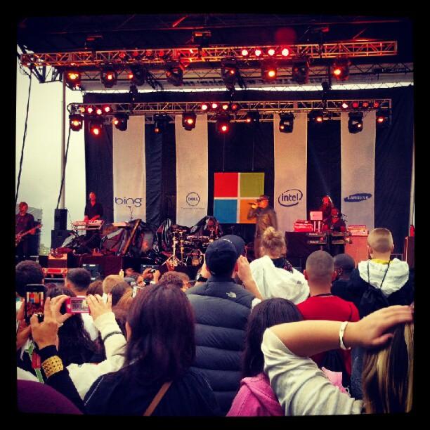 Taio Cruz #taiocruz #concert #Microsoft #waltwhitmanmall #longisland