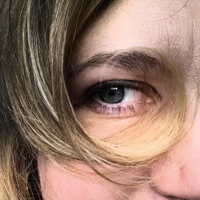 Hair Monocle #hairstyles #hair #curl #blonde #blueeyes #curls #chic
