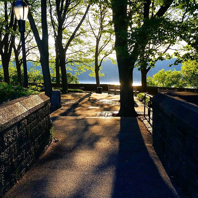 Fort Tryon #Sunset #washingtonheightsny #forttryonpark #hudsonriver #newyork