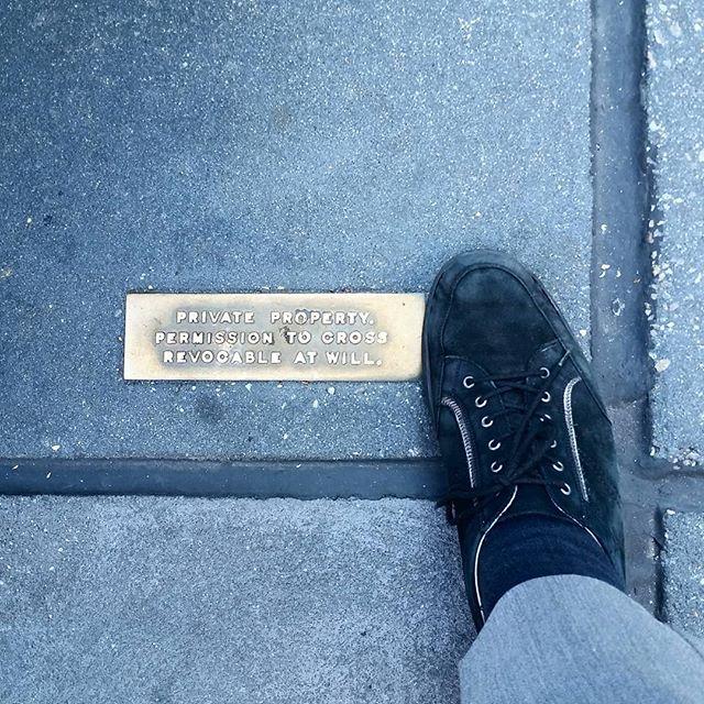Streetlife #NYC #streetlife #really #howareyougoingtoenforcethisonebigguy #midtown #dumblaws