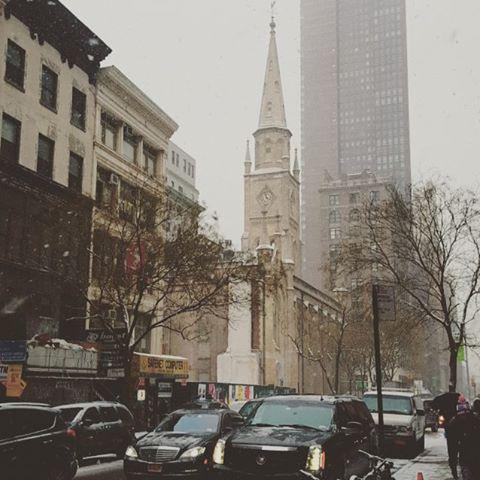 A snowy day in February #newyork #newyorkphotographer #snow #29thstreet