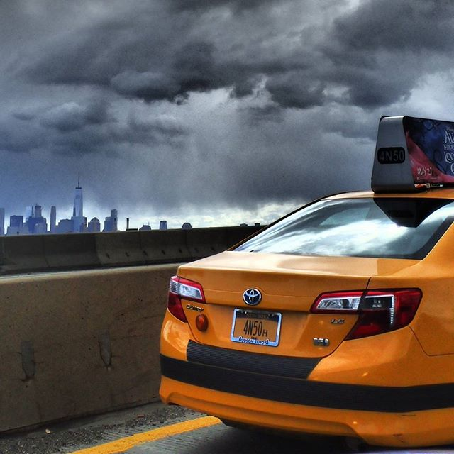 Storm Clouds #newyork #newyorkphotographer #yellowtaxi #latergram #olympus #nyc #freedomtower #landmark