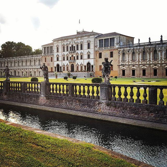 The Villa Contarini at Little Square on the River #piazzolasulbrenta #veneto #italy #atchitecture #lavitaèbella