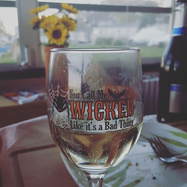 You Say I'm Wicked....Like It's A Bad Thing #happyhalloween #wicked #prosecco #trickortreat