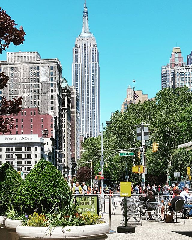 Lunchtime View #empirestatebuilding #nyc #newyorkphotographer #springhassprung