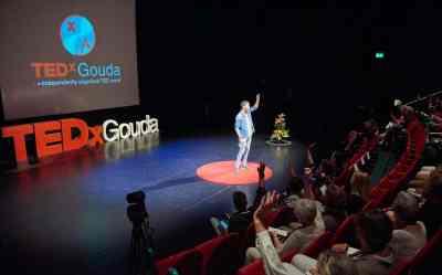 Michiel van Vugt TEDx