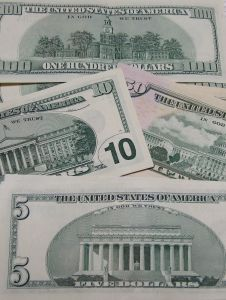 us-currency-4-1007270-m