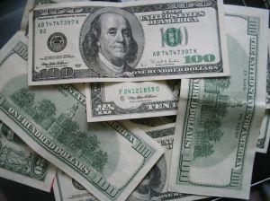 us-dollars-2-182215-m