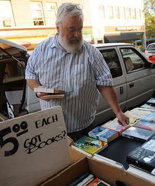 jen.FEA.books.09-22-08.006%20web