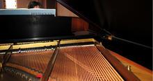aeb.ART.2pianists.4-7-0925