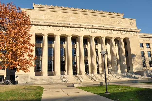 university-of-michigan-campus-university-of-michigan---wikipedia-the-free-encyclopedia