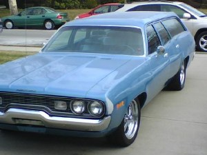plymouth-satellite-custom-station-wagon-03