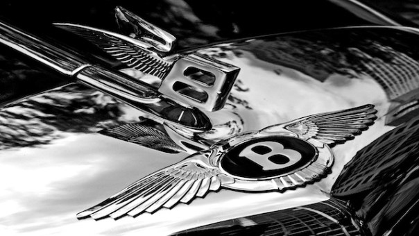 bentley_badge_and_hood_ornament