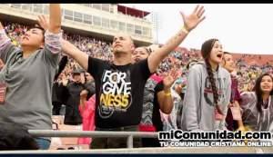 VIDEO: Miles de creyentes claman por un avivamiento en California