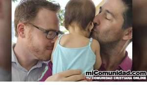 Avalan firmas para referendo contra adopciones gay