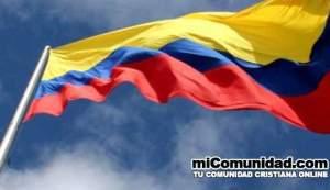 Prohíben la oración en sitios públicos y privados en Colombia