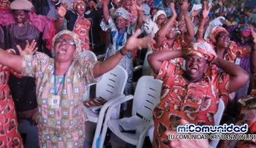 """Nigeria cierra 70 iglesias por ser """"demasiado ruidosas"""""""