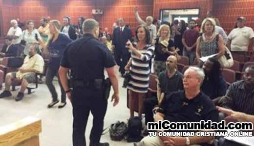Policía interviene tras enfrentamiento entre satanistas y cristianos