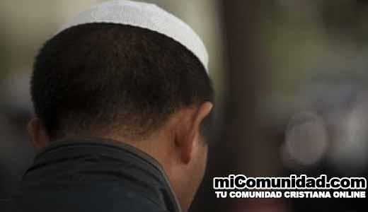 Más de 600 musulmanes se convierten a Jesús por hora, dice experto