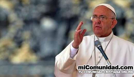 Papa da poder a los padres para perdonar abortos