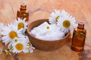 Crema natural de yogur y almendras para blanquear el cutis