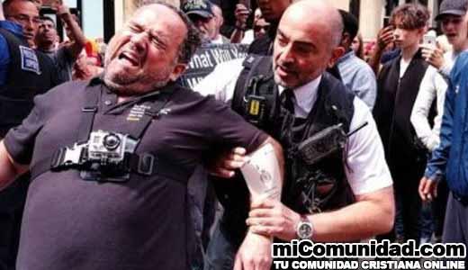 """Evangelistas detenidos y multados por predicar que """"sólo Jesús salva"""""""
