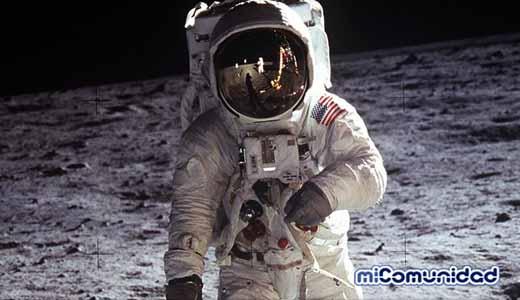 Astronauta Buzz Aldrin leyó el Evangelio de Juan en la Luna y tomó la Santa Cena